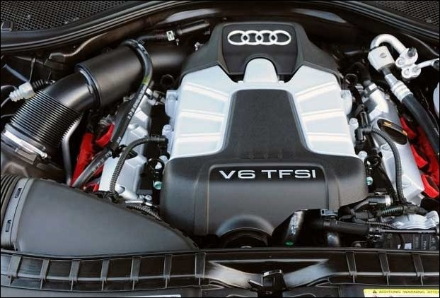 2017 Audi Q7 is powered by a 3.0 Liter V6, Supercharged /TFSI, Six cylinder, 24 valve DOHC engine that makes 333 horsepower