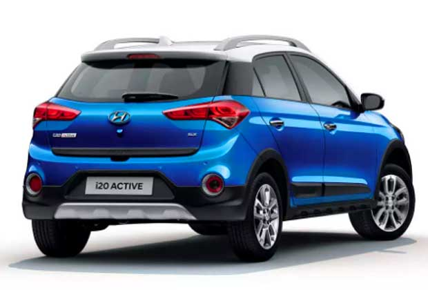 Another popular Indian crossover, Hyundai i20 Active this year, got new dual-tone Marina Blue and Polar White paint scheme with minor updates.