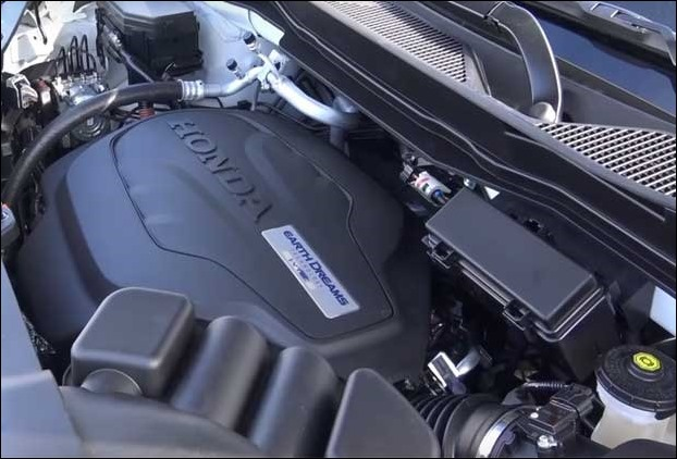 Honda Pilot 2017 has  3.5L, 3471 cc, 24-Valve SOHC i-VTEC Aluminum - Alloy V-6 engine that produces 280 horse power