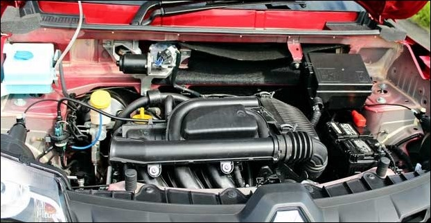The 3 cylinder engine used in Renault Kwid seems efficient but also creates noise and vibrations.